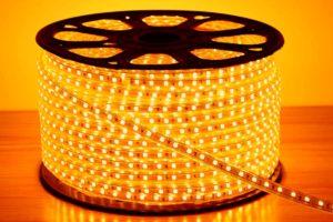 230V LED-Band warmweiß
